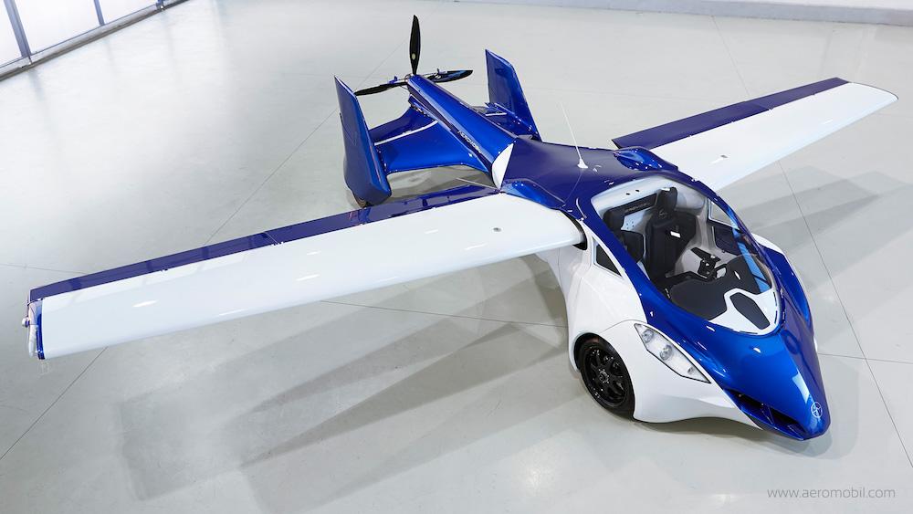 Rytdiena bus tikrai įdomi: Savavaldis skraidantis automobilis